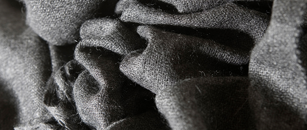 diana-gibbs_natural-collection_shalla_charcoal_detail1